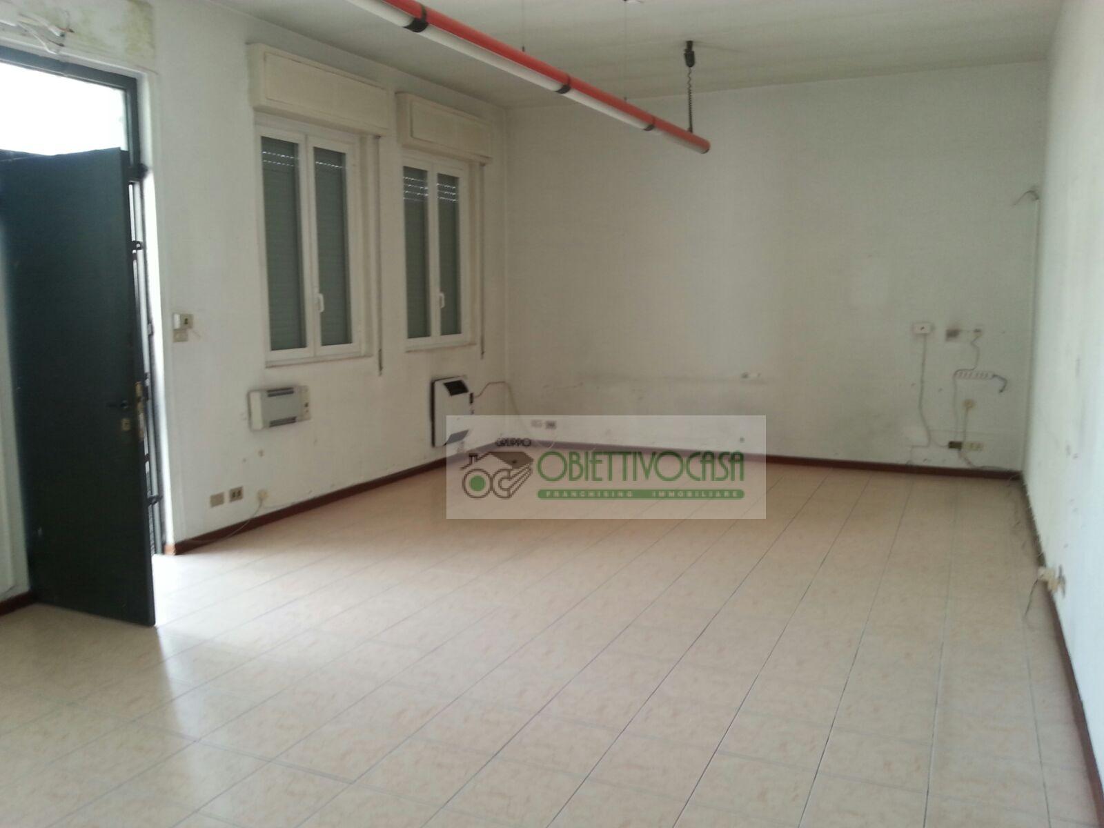 Capannone in affitto a Trezzano sul Naviglio, 9999 locali, zona Località: Zingone, prezzo € 12.000 | CambioCasa.it