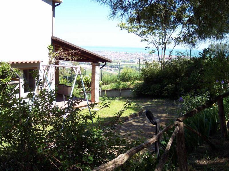 Villa in affitto a Colonnella, 6 locali, prezzo € 2.500 | Cambio Casa.it