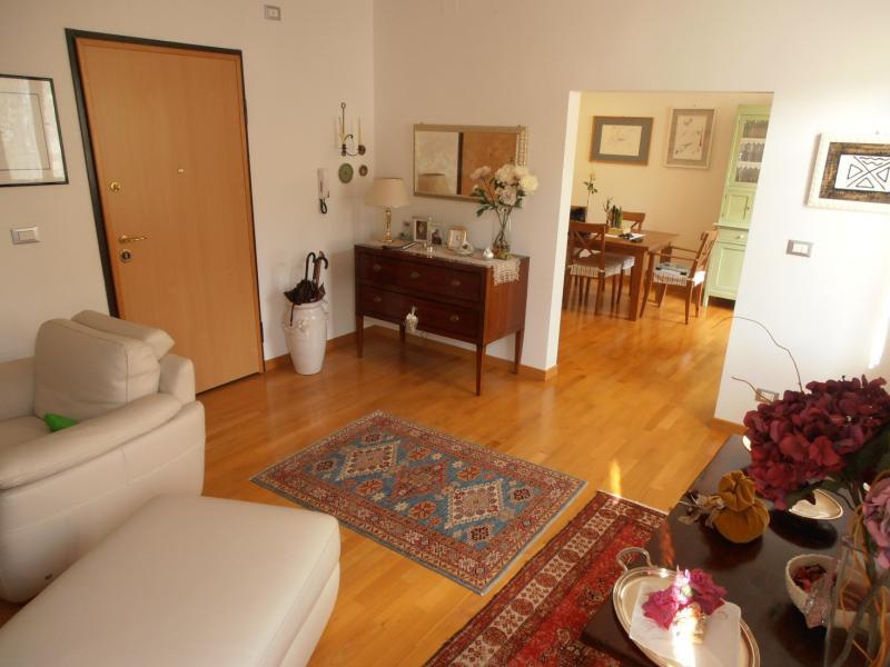 Appartamento in vendita a Ascoli Piceno, 7 locali, prezzo € 320.000 | CambioCasa.it