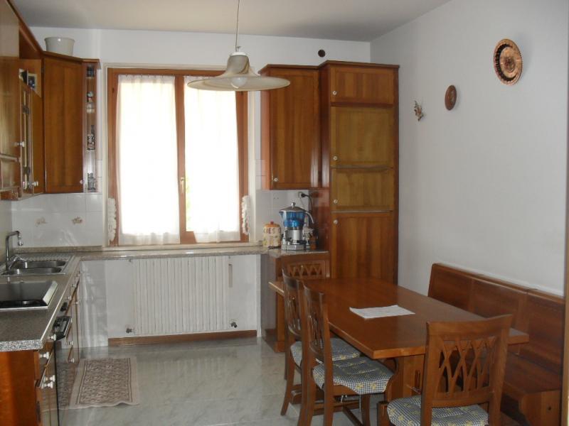 Appartamento in vendita a Cupra Marittima, 5 locali, prezzo € 175.000   Cambiocasa.it
