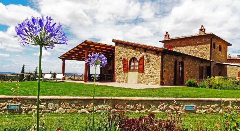 Villa in vendita a Volterra, 4 locali, prezzo € 320.000 | CambioCasa.it