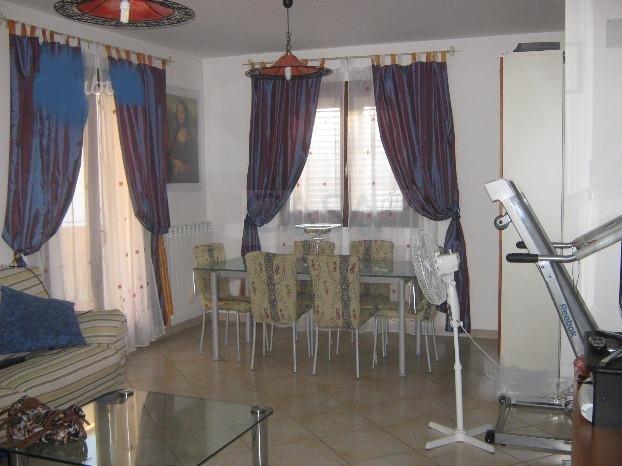 Appartamento in affitto a Spinetoli, 4 locali, zona Località: PagliaredelTronto, prezzo € 500 | CambioCasa.it