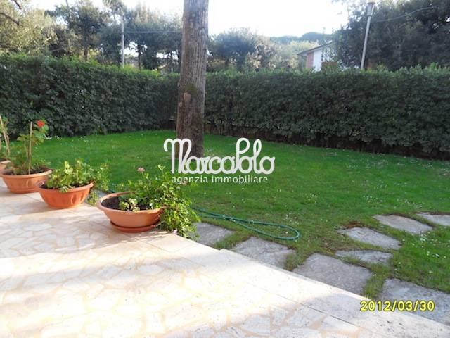 Appartamento in affitto a Forte dei Marmi, 7 locali, zona Località: RomaImperiale, Trattative riservate | Cambio Casa.it
