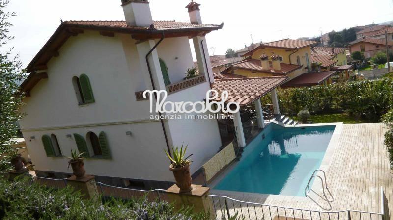 Villa in affitto a Seravezza, 10 locali, Trattative riservate | CambioCasa.it