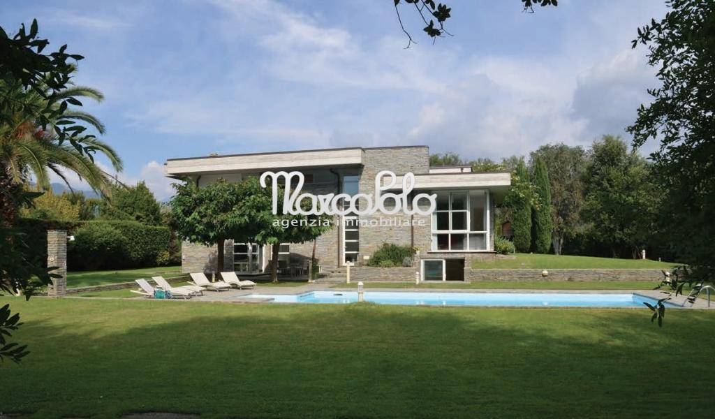 Villa in affitto a Massa, 15 locali, zona Zona: Poveromo, Trattative riservate | Cambio Casa.it