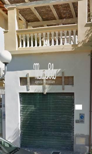 Negozio / Locale in vendita a Forte dei Marmi, 9999 locali, zona Zona: Centro, Trattative riservate | Cambio Casa.it