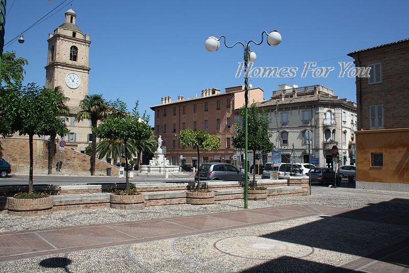 Bilocale Porto San Giorgio Corso Garibaldi 7