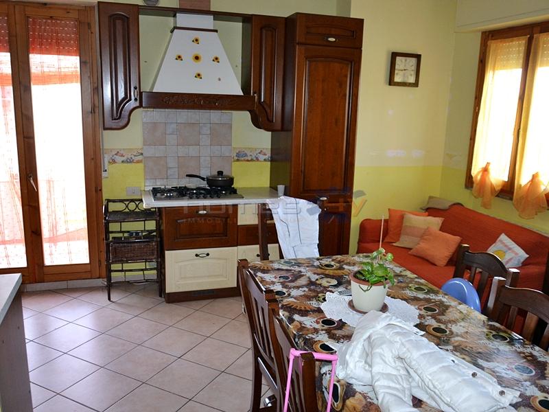 Appartamento in affitto a San Costanzo, 2 locali, prezzo € 450 | Cambio Casa.it