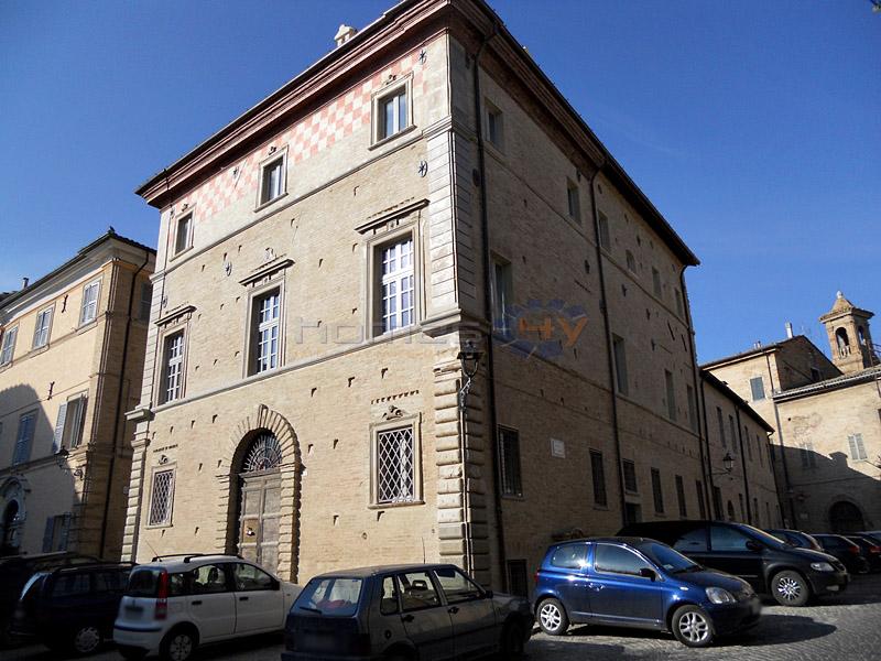 Villa in vendita a Corinaldo, 20 locali, prezzo € 1.500.000 | Cambio Casa.it