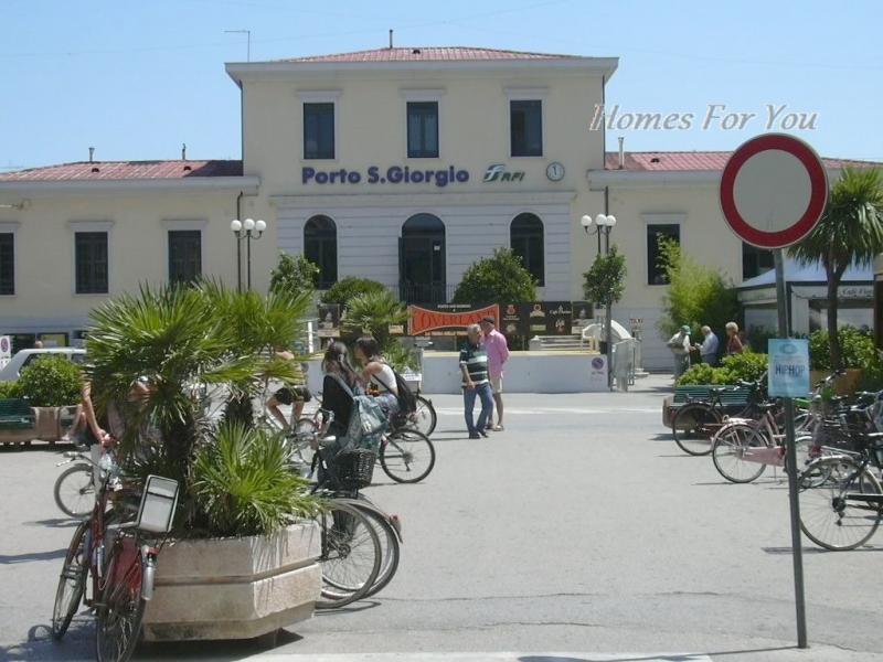 Bilocale Porto San Giorgio Viale Della Repubblica 8