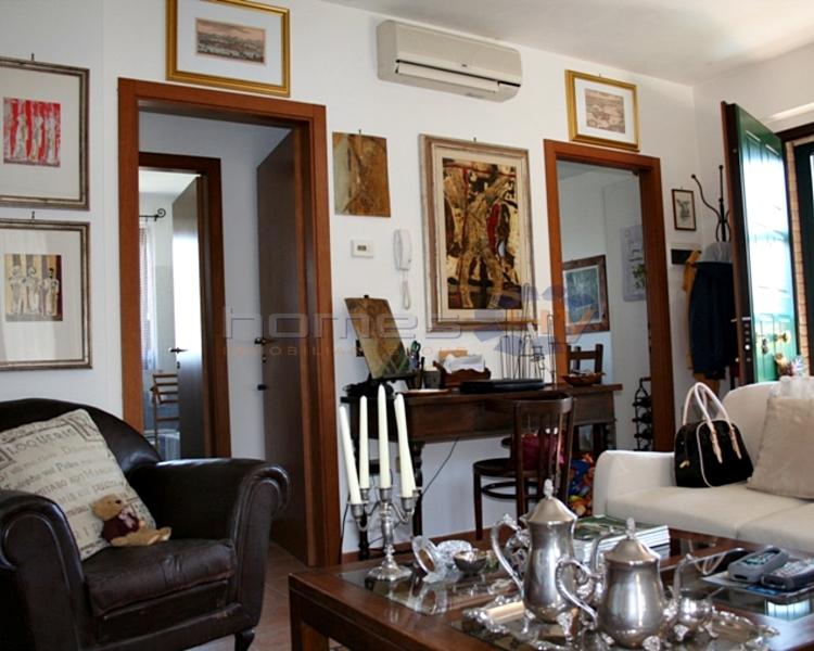 Appartamento in vendita a Saltara, 5 locali, zona Zona: Calcinelli, prezzo € 170.000 | Cambio Casa.it
