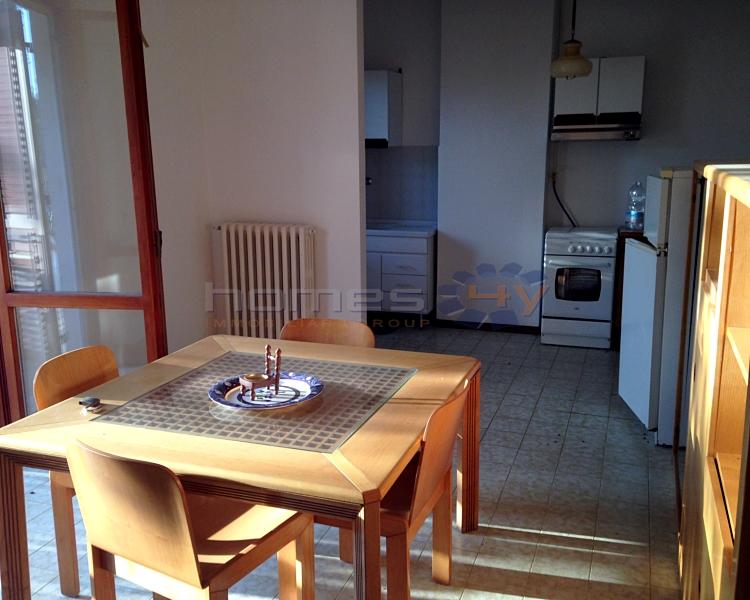 Soluzione Indipendente in vendita a Fano, 8 locali, zona Località: Semicentro, prezzo € 300.000 | Cambio Casa.it