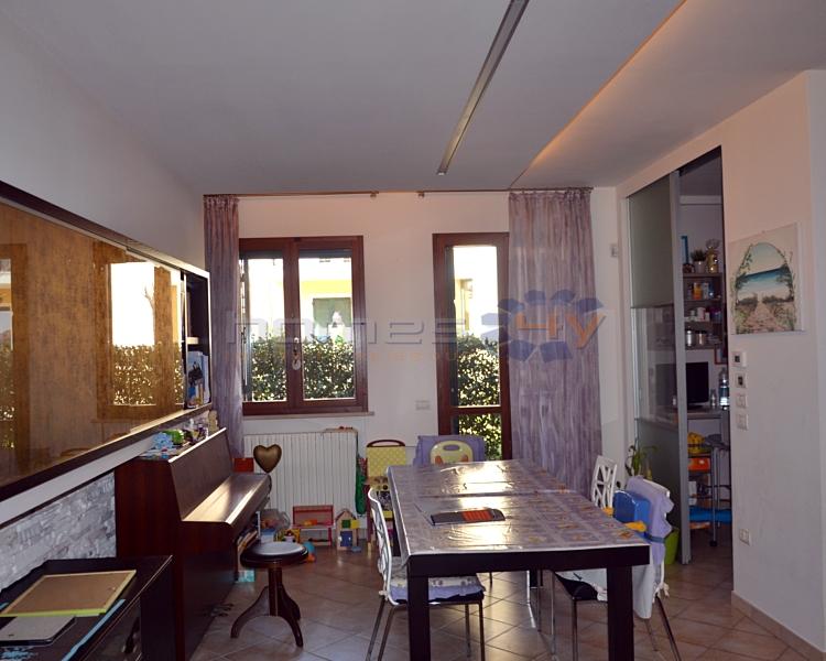 Appartamento in vendita a Cartoceto, 5 locali, zona Zona: Lucrezia, prezzo € 175.000 | Cambio Casa.it