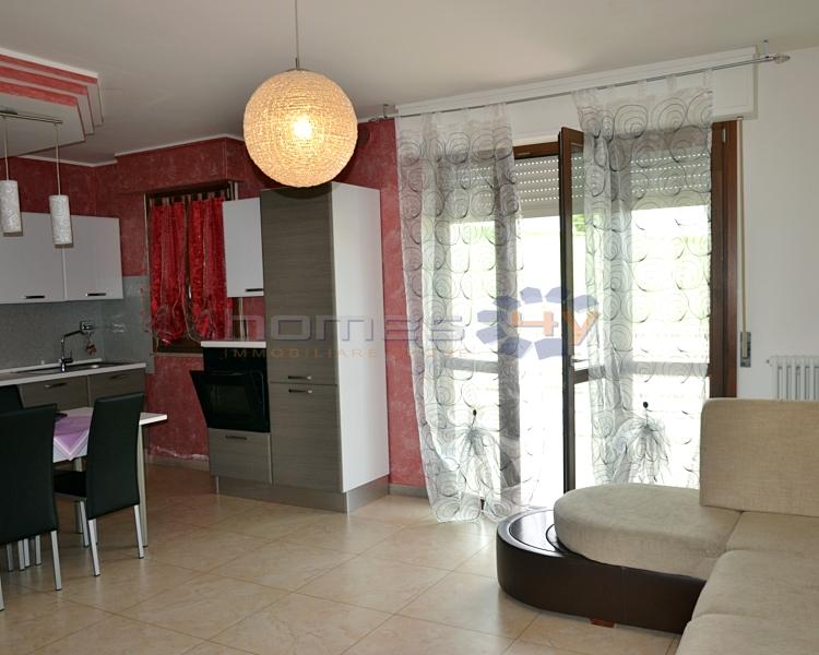 Appartamento in vendita a Cartoceto, 4 locali, zona Zona: Lucrezia, prezzo € 190.000 | Cambio Casa.it