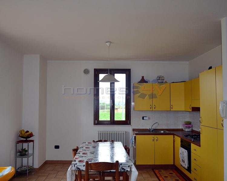 Appartamento in vendita a Cartoceto, 4 locali, zona Zona: Lucrezia, prezzo € 150.000 | Cambio Casa.it