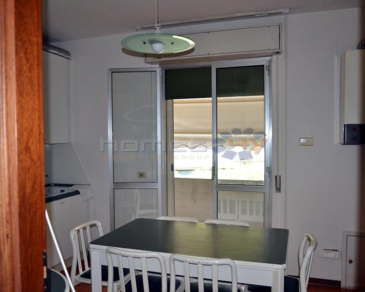 Appartamento in affitto a Serrungarina, 4 locali, zona Zona: Tavernelle, prezzo € 400 | Cambio Casa.it