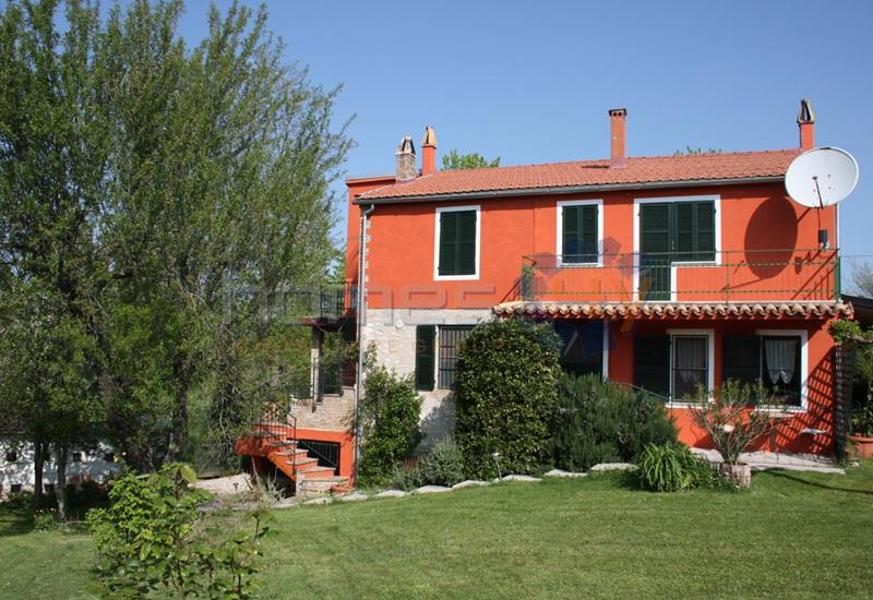 Rustico / Casale in vendita a Corinaldo, 9 locali, zona Località: S.Isidoro, prezzo € 230.000 | Cambio Casa.it