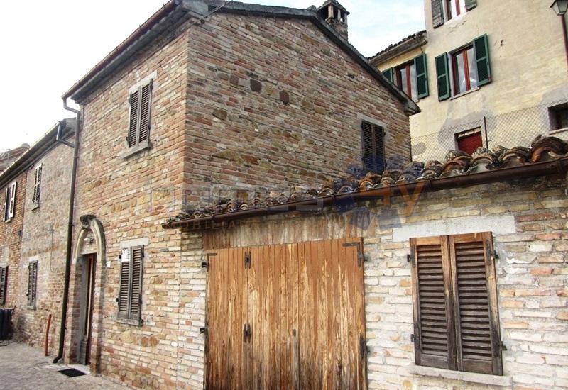 Villa a Schiera in Vendita a Serrungarina