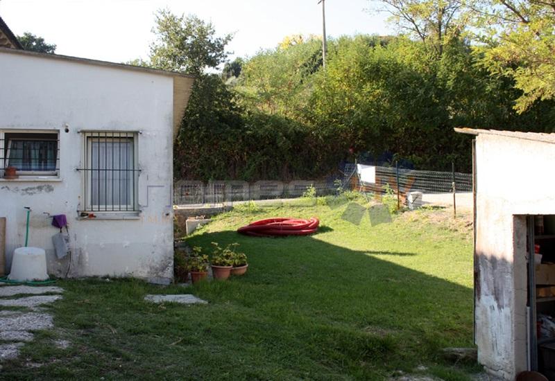 Soluzione Indipendente in vendita a Mondavio, 7 locali, prezzo € 125.000 | Cambio Casa.it