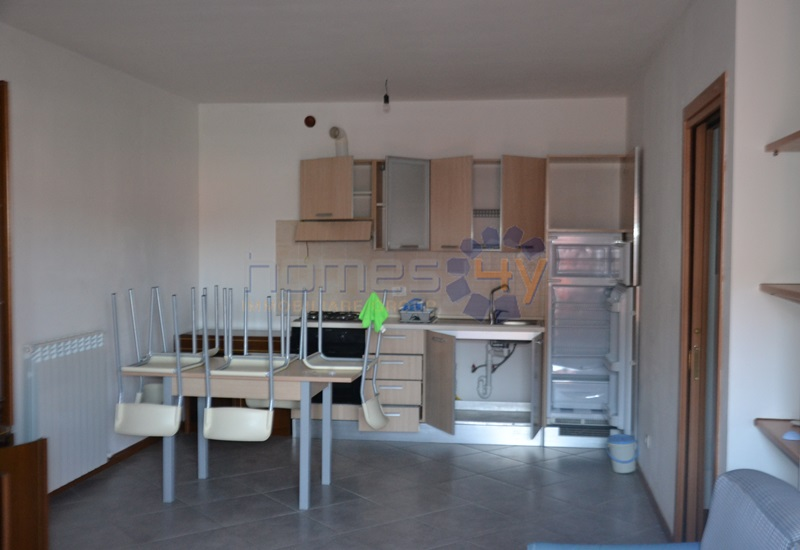 Appartamento in affitto a Serrungarina, 3 locali, zona Zona: Tavernelle, prezzo € 450 | Cambio Casa.it