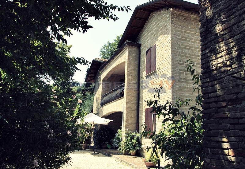 Villa in vendita a Fano, 15 locali, zona Località: Prelato, prezzo € 1.590.000 | Cambio Casa.it