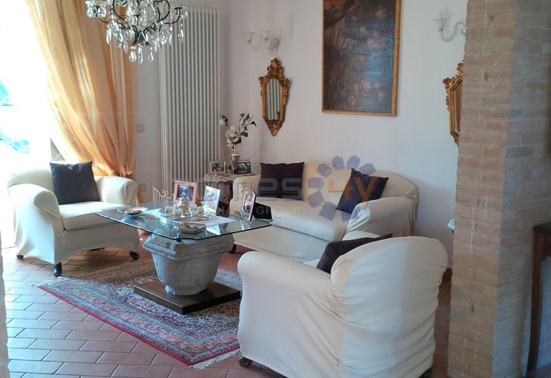 Soluzione Indipendente in affitto a Pesaro, 4 locali, prezzo € 750   Cambio Casa.it
