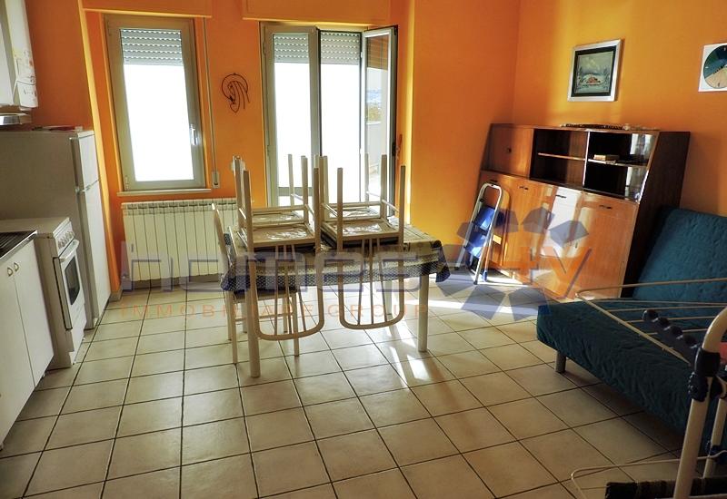 Bilocale Porto San Giorgio Lungomare Gramsci 2