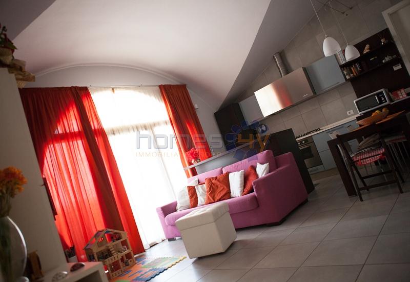 Attico / Mansarda in vendita a Cartoceto, 4 locali, zona Zona: Lucrezia, prezzo € 188.000 | Cambio Casa.it