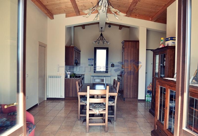Soluzione Indipendente in vendita a San Giorgio di Pesaro, 4 locali, prezzo € 175.000 | Cambio Casa.it