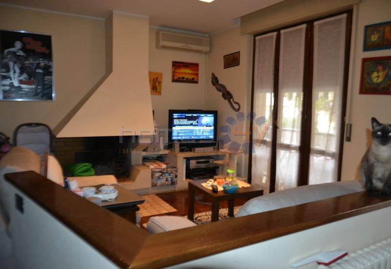 Appartamento in affitto a Saltara, 3 locali, zona Zona: Calcinelli, prezzo € 450 | Cambio Casa.it