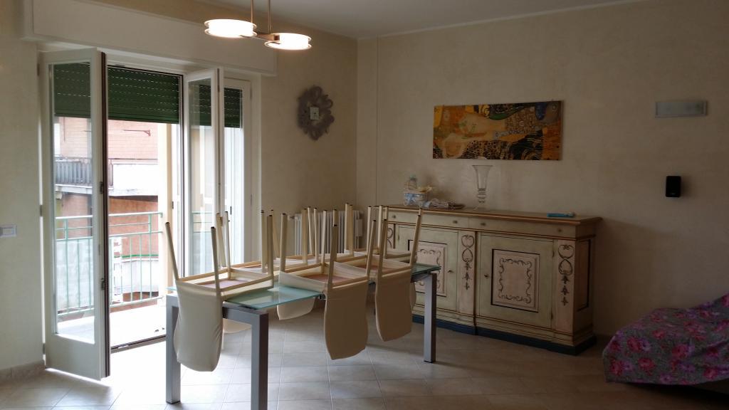 Appartamento in vendita a Ascoli Piceno, 7 locali, zona Località: CampoParignano, Trattative riservate | Cambio Casa.it