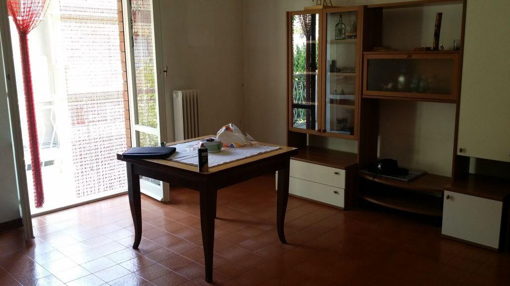 Appartamento in vendita a Ascoli Piceno, 5 locali, zona Zona: Mozzano, prezzo € 90.000 | Cambio Casa.it