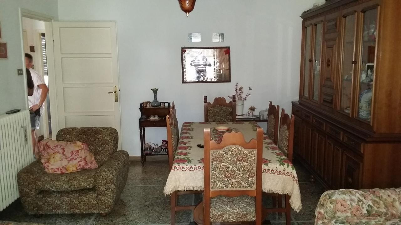 Appartamento in vendita a Ascoli Piceno, 6 locali, zona Località: CampoParignano, prezzo € 170.000 | Cambio Casa.it