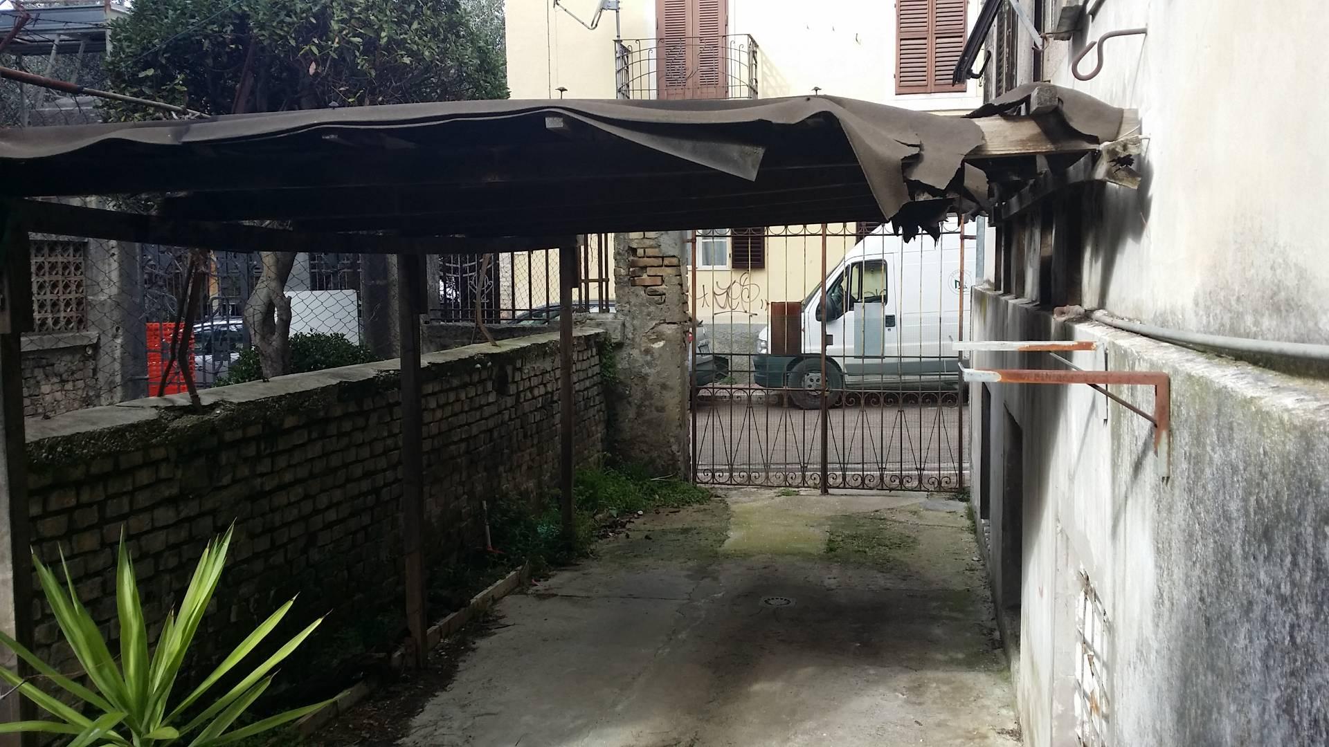Appartamento in vendita a Ascoli Piceno, 6 locali, zona Località: BorgoSolestà, prezzo € 198.000 | CambioCasa.it