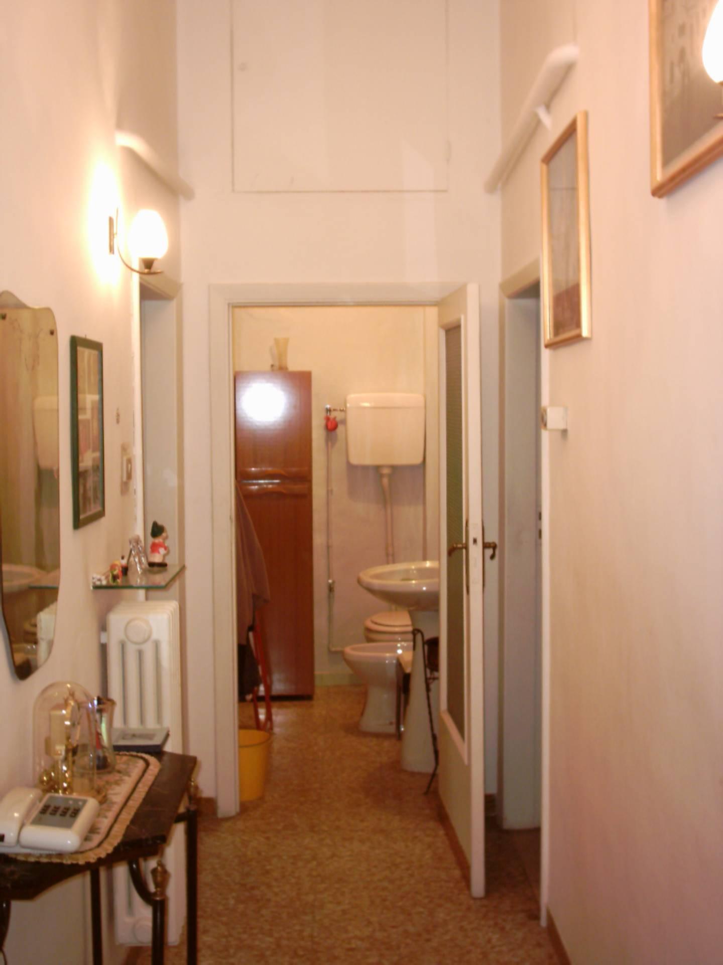 Appartamento in vendita a Ascoli Piceno, 5 locali, zona Località: CentroStorico, prezzo € 130.000 | Cambio Casa.it