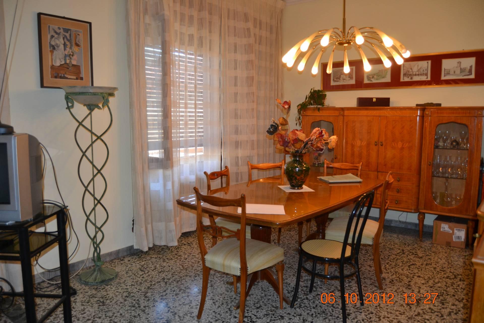 Appartamento in vendita a Ascoli Piceno, 6 locali, zona Località: CampoParignano, prezzo € 150.000 | CambioCasa.it