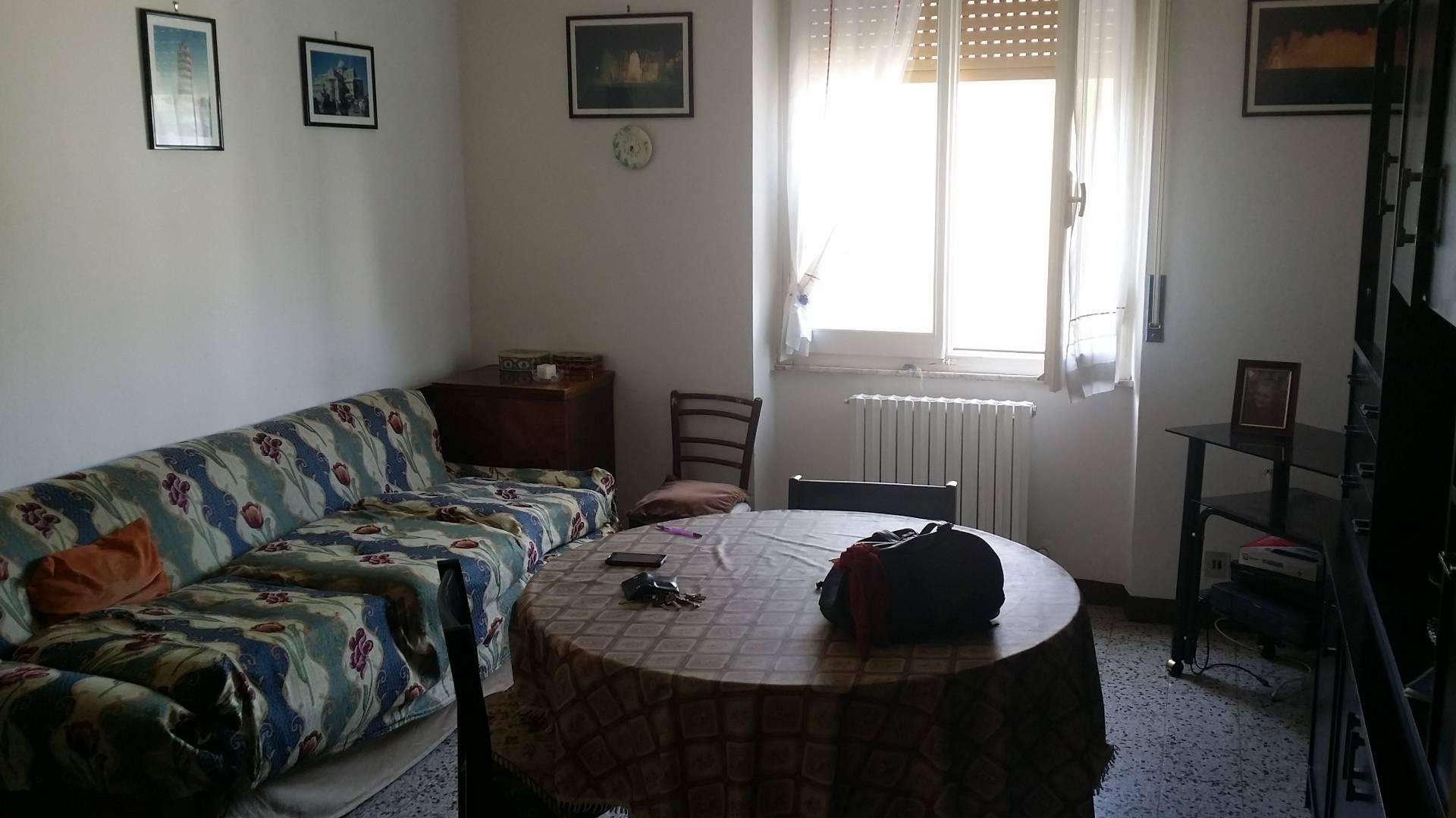 Appartamento in vendita a Ascoli Piceno, 6 locali, zona Località: PortaMaggiore, prezzo € 90.000 | CambioCasa.it