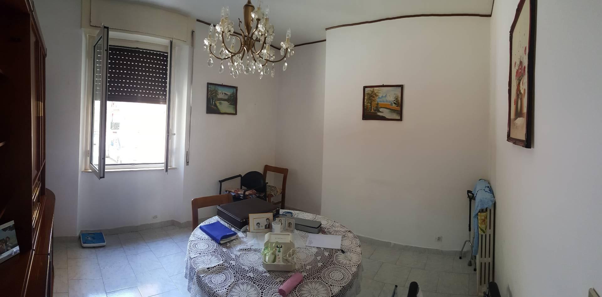 Appartamento in vendita a Ascoli Piceno, 5 locali, zona Località: BorgoSolestà, prezzo € 65.000 | CambioCasa.it