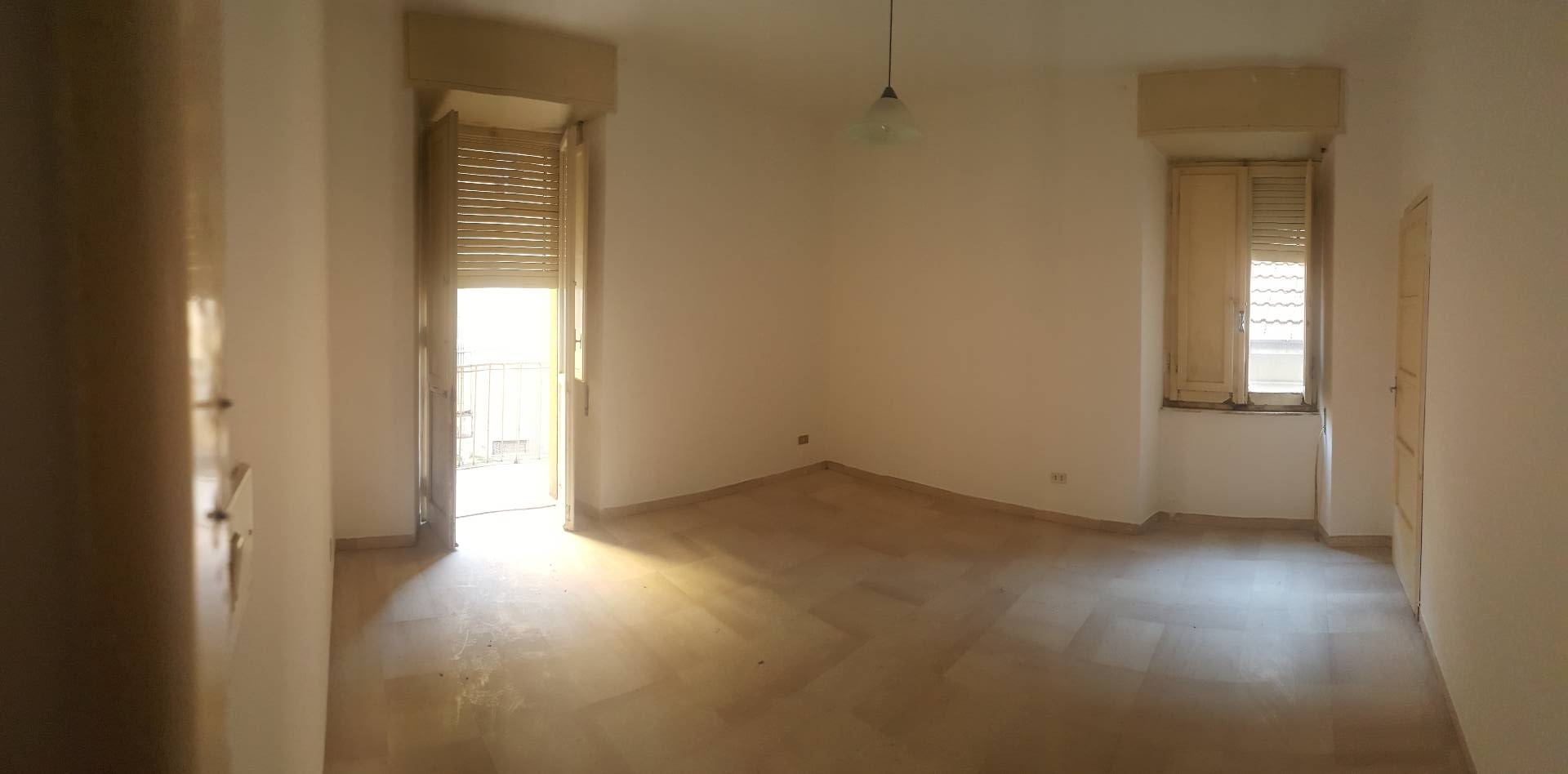Appartamento in vendita a Ascoli Piceno, 3 locali, zona Località: CampoParignano, prezzo € 75.000 | CambioCasa.it