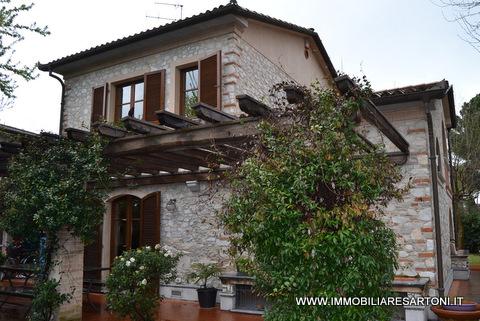 Rustico / Casale in affitto a Pietrasanta, 6 locali, zona Località: MarinadiPietrasanta, Trattative riservate | Cambio Casa.it