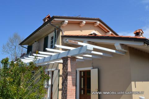 Villa in vendita a Pietrasanta, 6 locali, zona Località: MarinadiPietrasanta, Trattative riservate | Cambio Casa.it