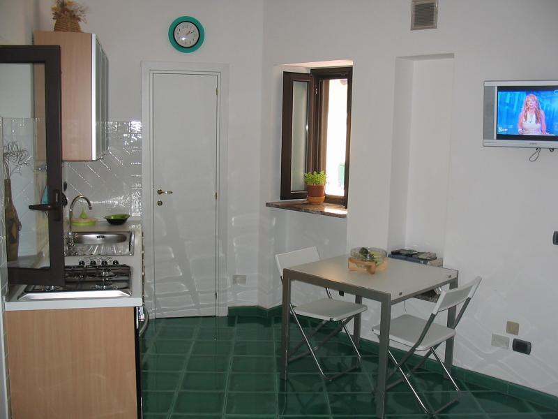 Bilocale Taormina Via D. H. Lawrence 3