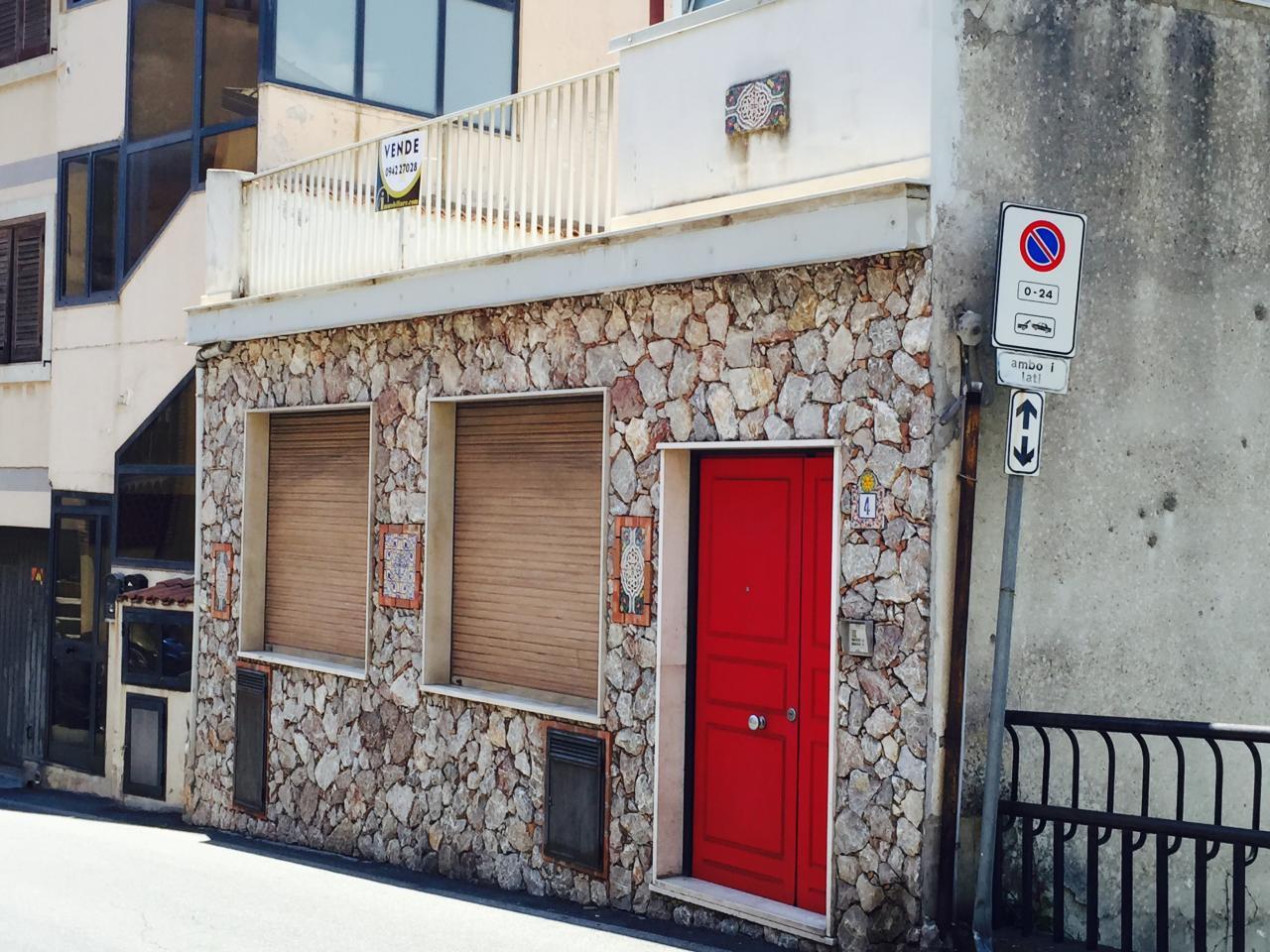 Casa indipendente in Vendita a Taormina Centro: 5 locali, 115 mq