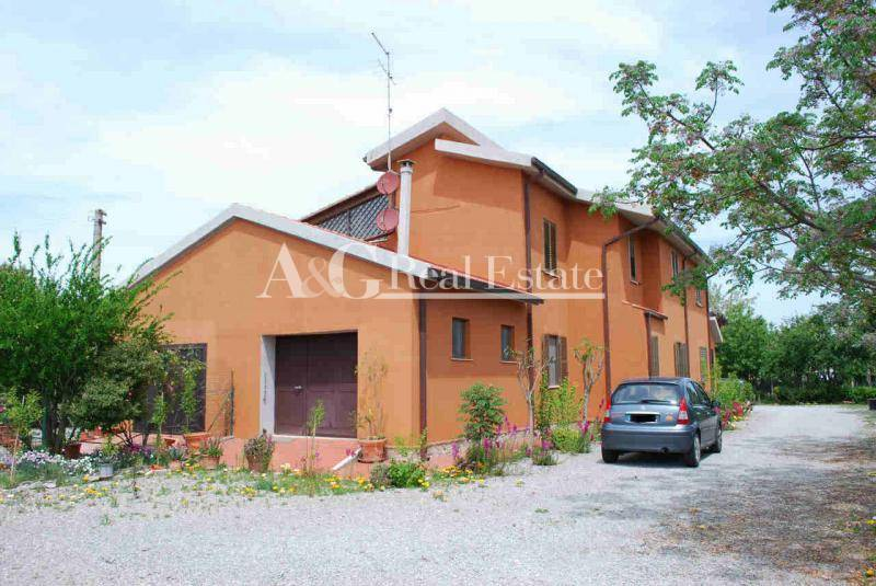 Villa in Vendita a Magliano in Toscana