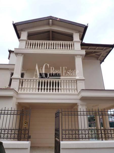 Villa in vendita a Grosseto, 12 locali, zona Località: Città, Trattative riservate | Cambio Casa.it