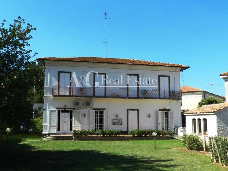 Villa in vendita a Grosseto, 13 locali, zona Località: Città, prezzo € 1.480.000   CambioCasa.it