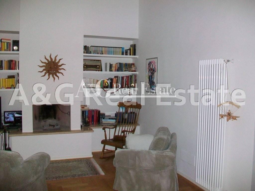 Villa in vendita a Grosseto, 7 locali, zona Località: Città, prezzo € 650.000 | Cambio Casa.it