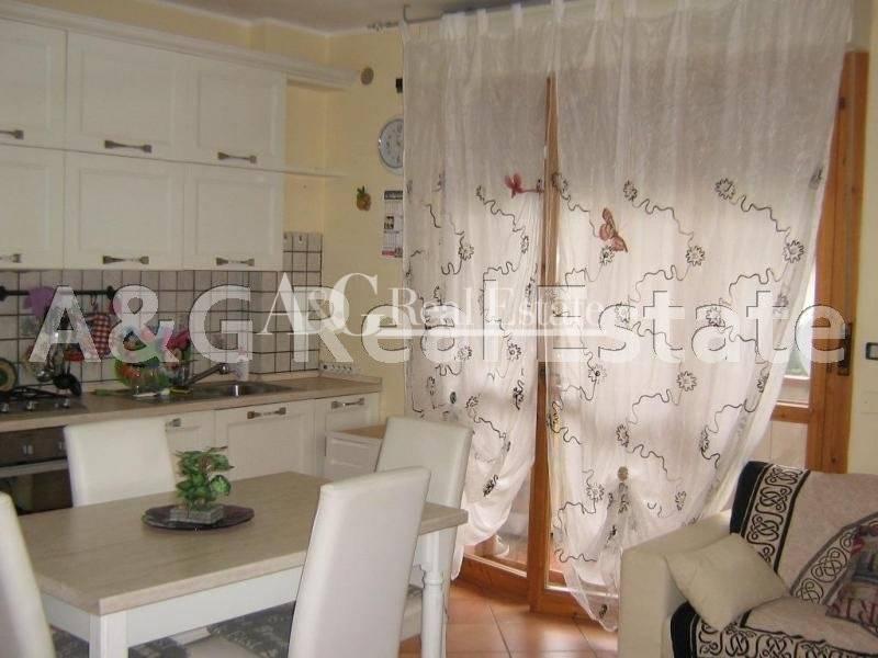 Appartamento in vendita a Roccastrada, 3 locali, zona Zona: Sticciano, prezzo € 120.000   CambioCasa.it