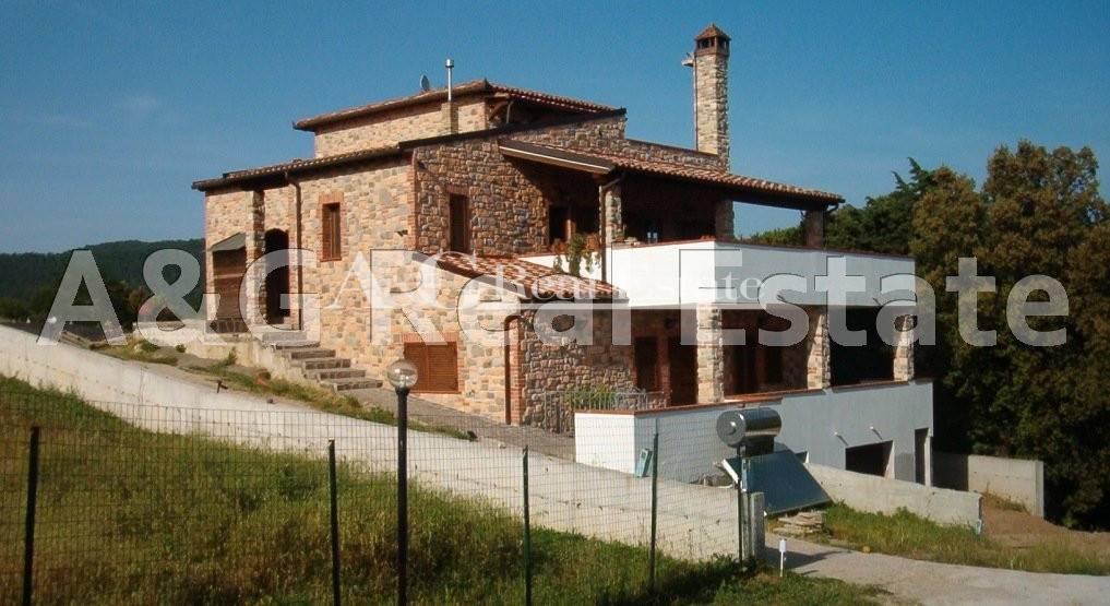 Villa in Vendita a Massa Marittima: 5 locali, 290 mq