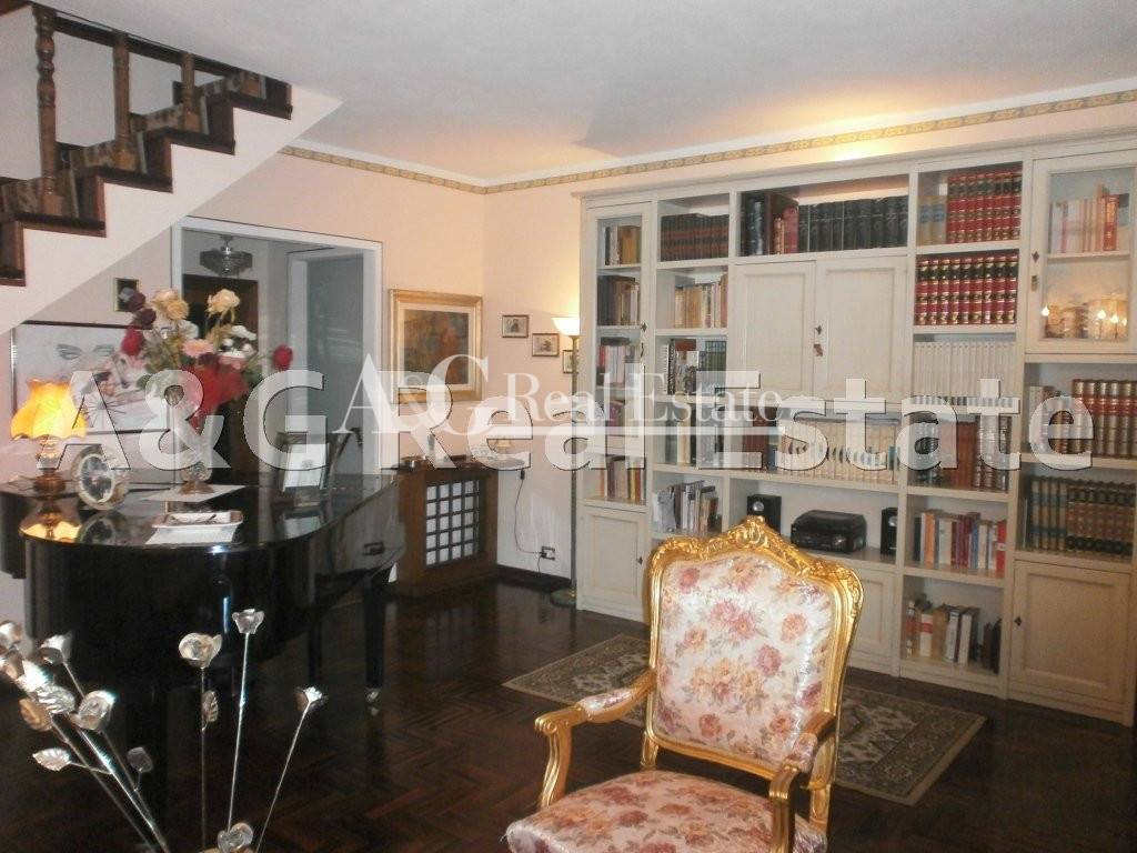 Villa in vendita a Grosseto, 9 locali, zona Località: Città, prezzo € 580.000 | Cambio Casa.it